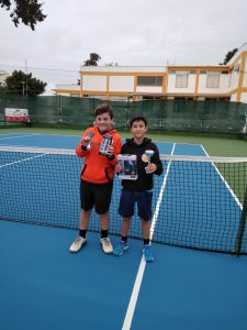 Read more about the article Tiago Valentim triunfa em casa